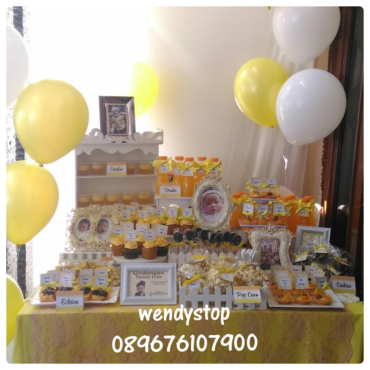 Sweet corner dessert table tedhak siten selapan surabaya sidoarjo gresik party decoration dekorasi pesta upacara turun tanah kuning nuansa yellow theme bayi turun tanah